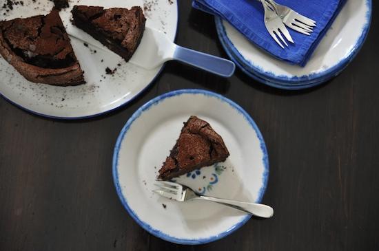 chocolate & meringue cake