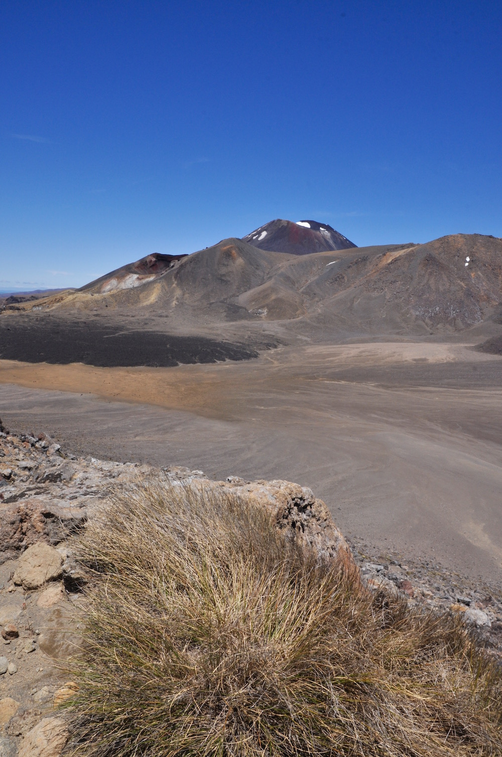 Tongariro alpine crossing.15